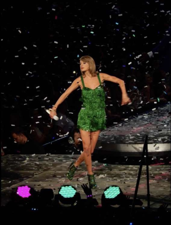 High quality photo taken of Taylor Swift on her 1989 tour.